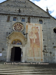 Kirche in Baceno und Re/Church in Baceno and Re