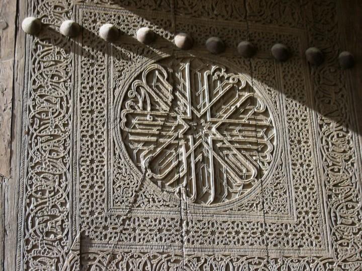 Geschnitzte Tür in Chiva/M.Ramsauer