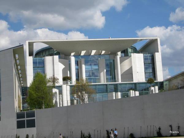 Das Regierungsgebäude der Kanzlerin/des Kanzlers