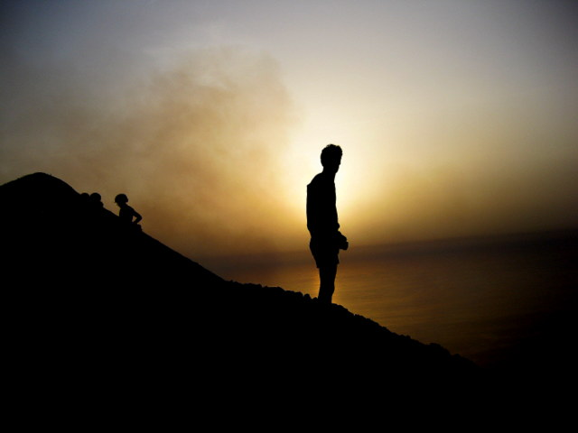 Die ganze Mannigfaltigkeit, der ganze Reiz und die ganze Schönheit des Lebens setzen sich aus Licht und Schatten zusammen. Leo Nikolajewitsch Graf Tolstoy