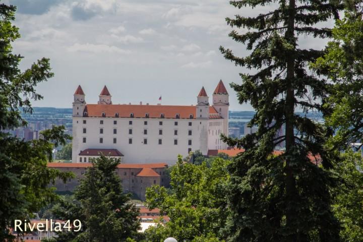 kantige Burg mit vier Türmen/spigoloso Castello con quattro torri/angular Castel with four towers/M.Ramsauer