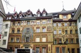 In der Altstadt/In the Old Town/In città vecchia.
