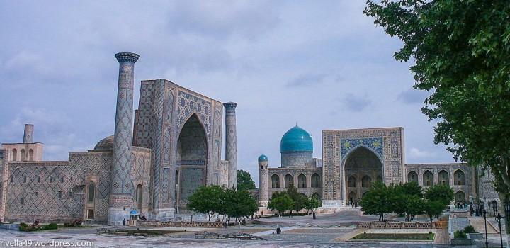 Samarkand, in Usbekistan liegt and der historischen Seidenstrasse. Diese Stadt zählt zu den ältesten Städten der Welt und wurde durch den Handel von Technologiegütern und Kultur reich.