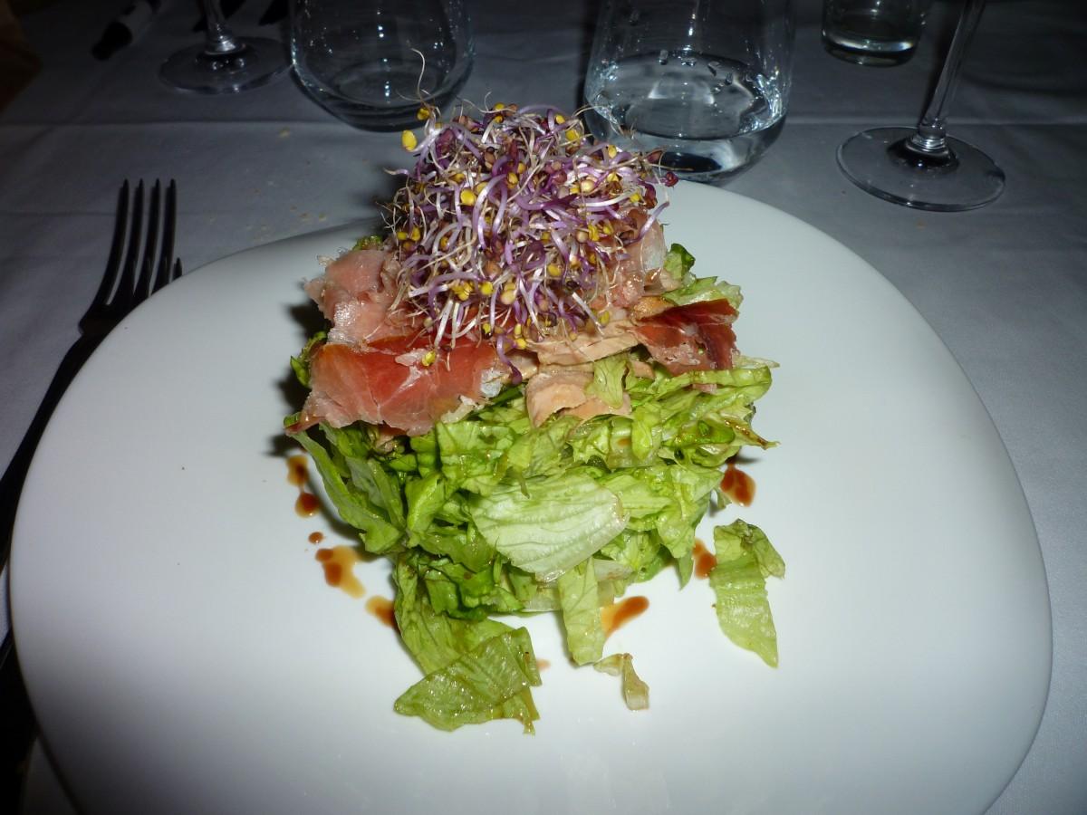 The food we were served was more than excellent/Das Essen, das uns serviert wurde, war einfach herrlich. Il cibo che abbiamo ricevuto nei vari ristoranti era veramente squisito!!:)