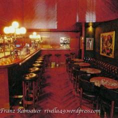 Dieses ist eine der weltweit schönsten Baren! This is one of the most splendid bars in the world. Questa bar è una delle più belle nel mondo.