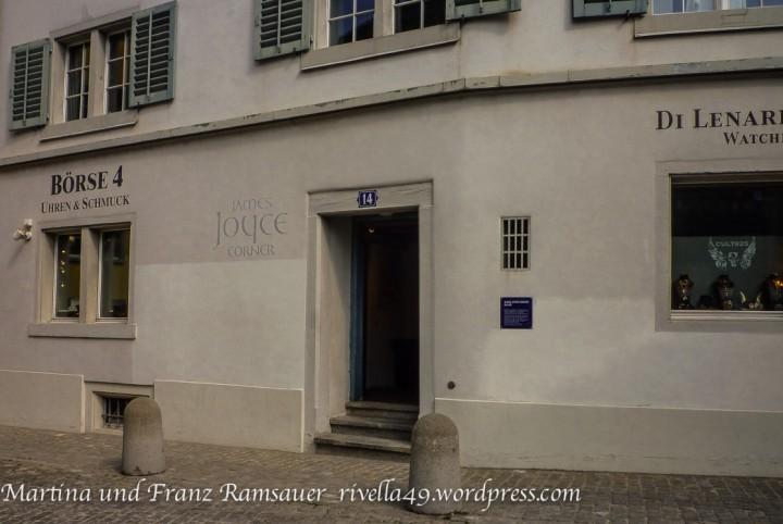 """The James Joyce Corner is in the Augustinergasse. Die James Joye Ecke ist in der Augustinergasse. L'angolo di James Joce si trova nella """"Augustinergasse""""."""