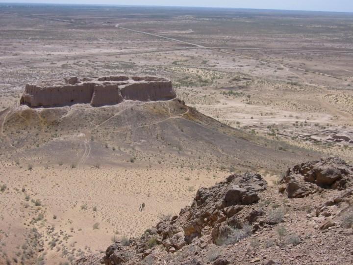 Halbwüste in Usbekistan
