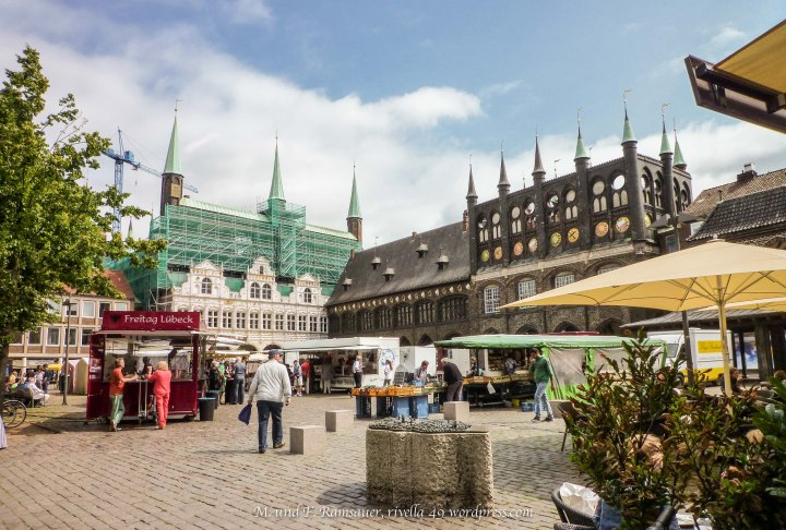 Auf dem Markt in Lübeck/On Lucke's market/Sul mercato a Lubecca